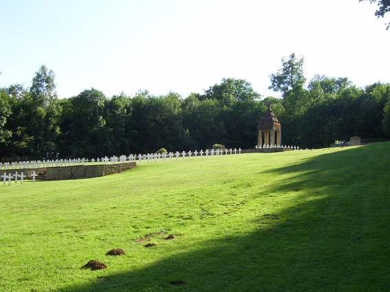 Rossignol, cimetière de l'orée du bois