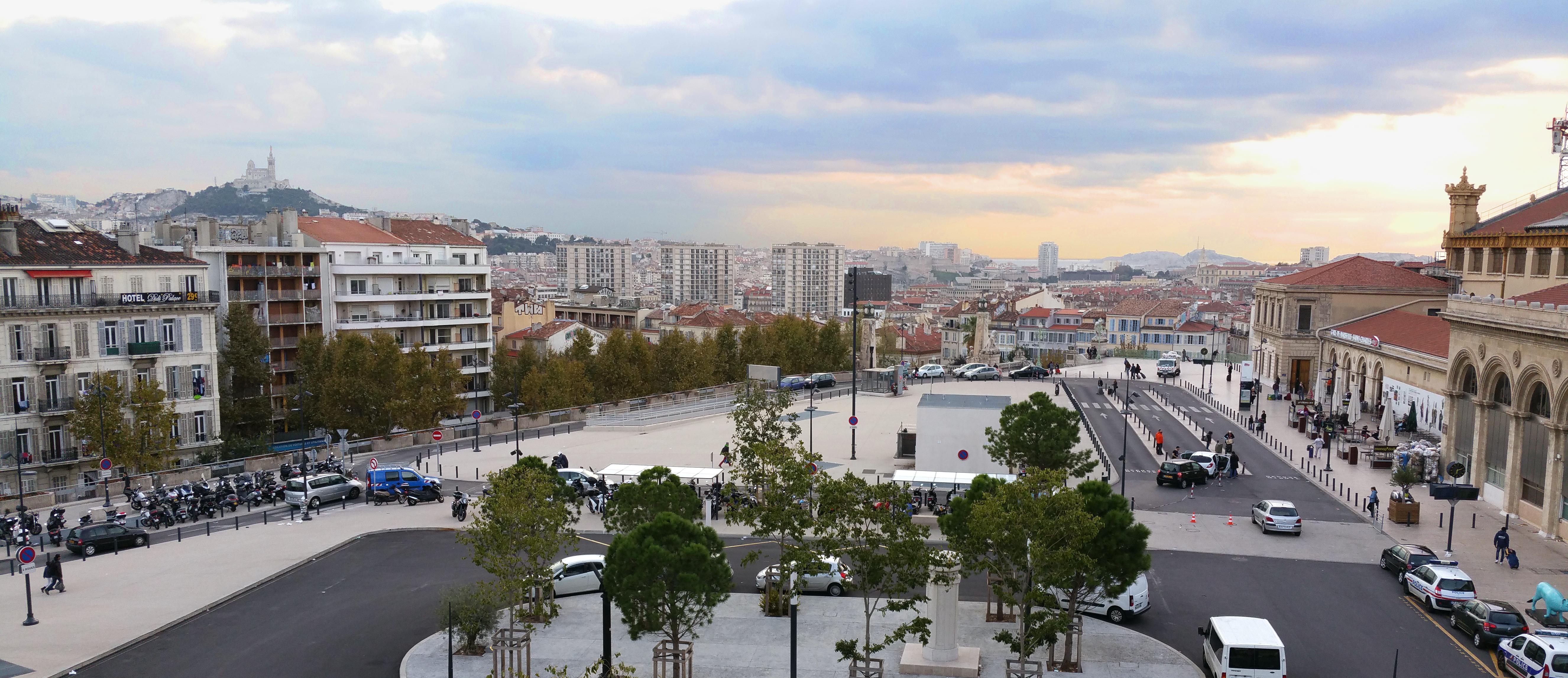 Marseille la ville des minences et savants h breux - Distance gare saint charles port marseille ...